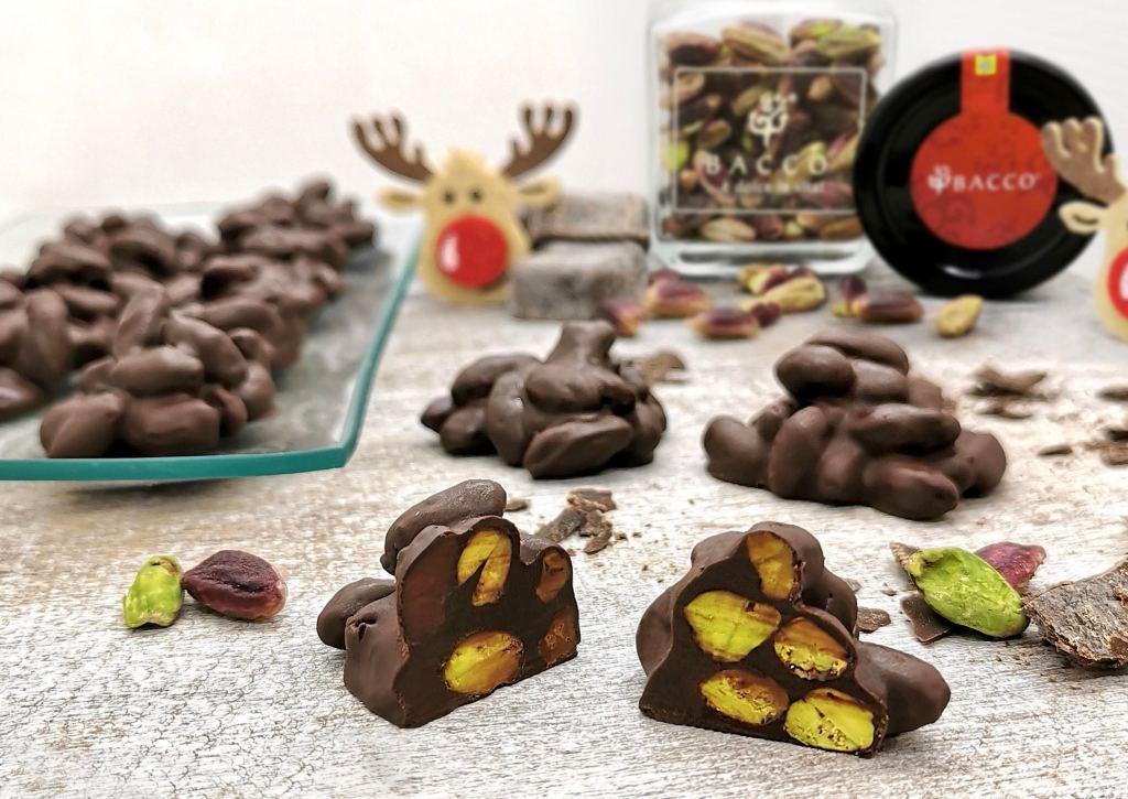 Bon bon croccanti cioccolato fondente e pistacchio