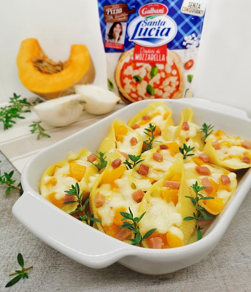 Conchiglioni ripieni di zucca, speck aromatizzato al timo e dadini di mozzarella Santa Lucia Galbani